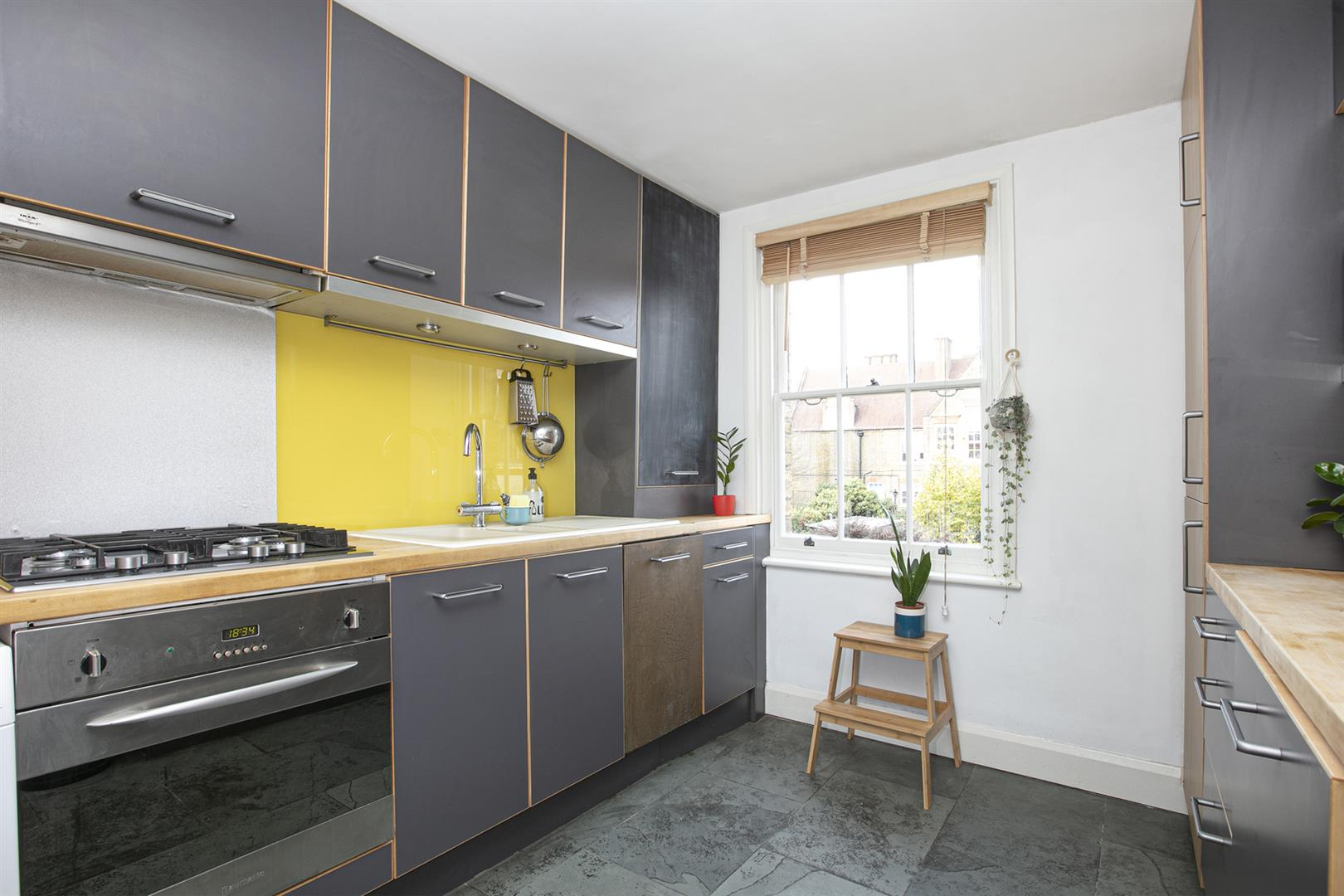 Flat - Conversion Sale Agreed in Nunhead Lane, Nunhead, SE15 751 view3