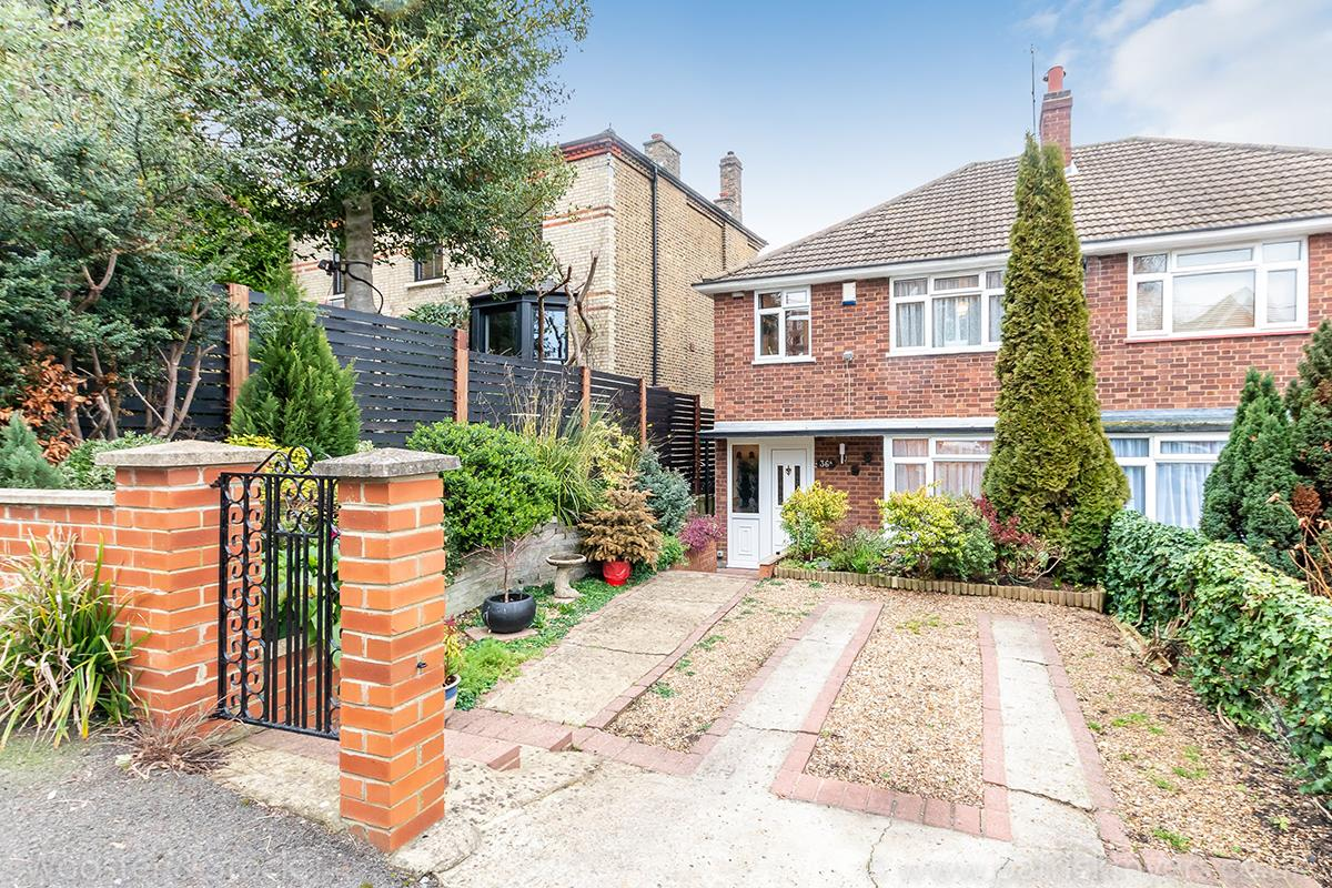 House - Semi-Detached For Sale in Panmure Road, Sydenham, SE26 412 view1