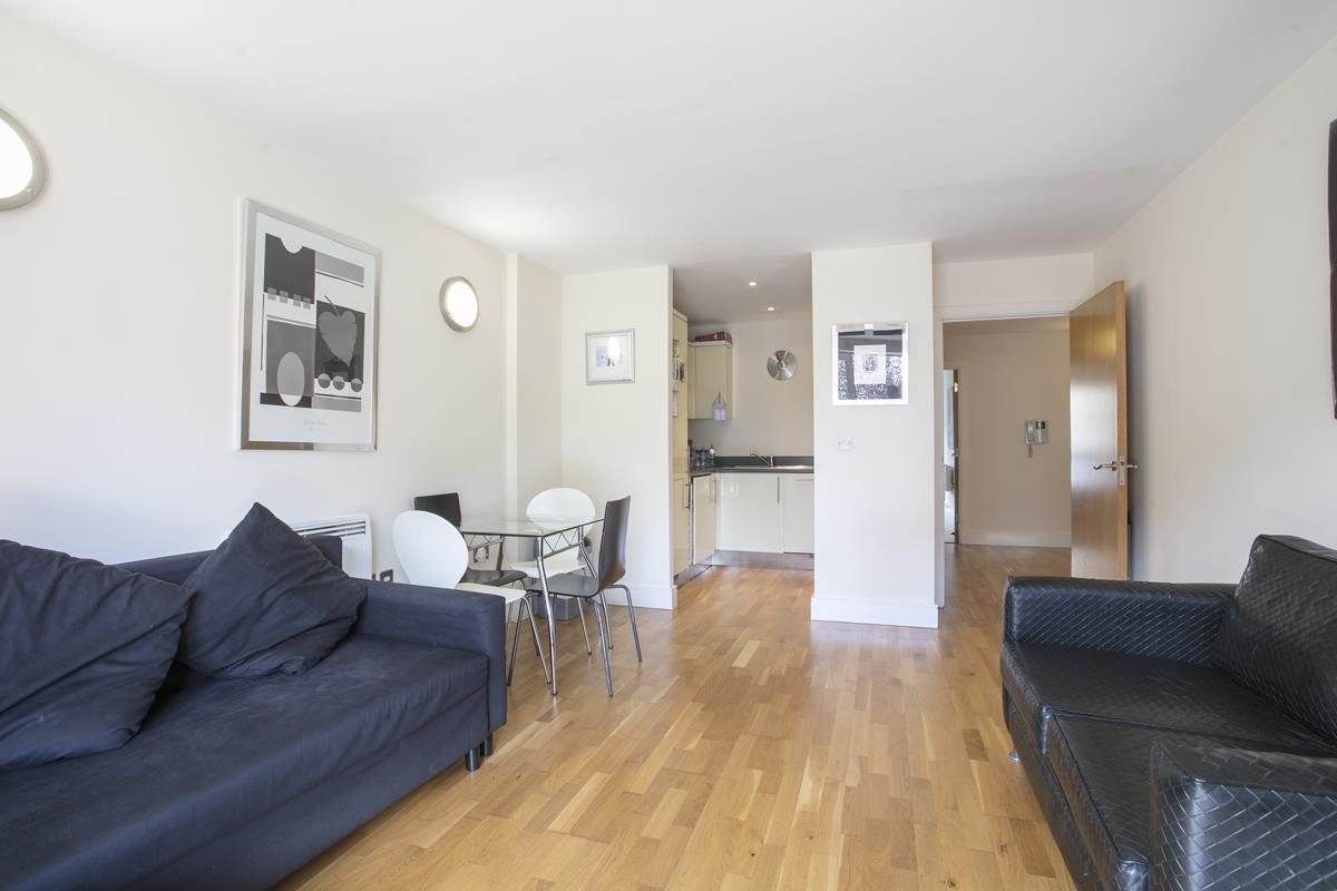Flat - Purpose Built Sold in Peckham Grove, Peckham, SE5 418 view6