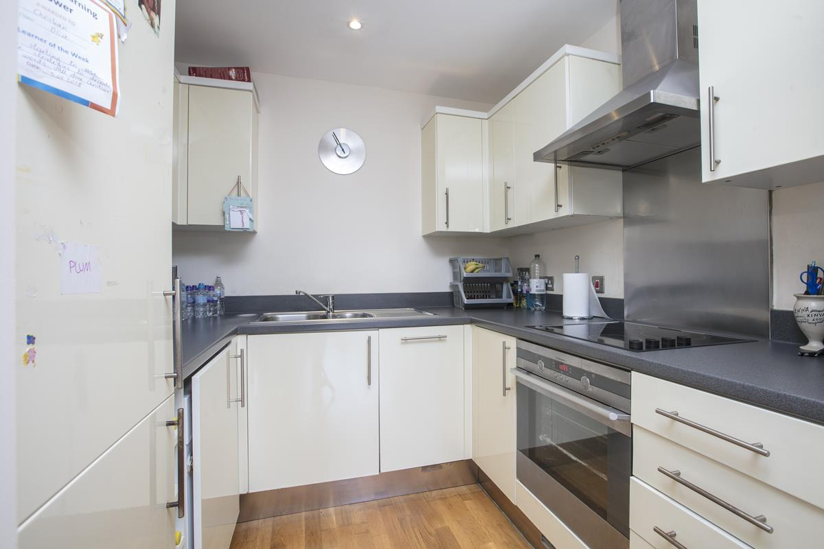 Flat - Purpose Built Sold in Peckham Grove, Peckham, SE5 418 view5