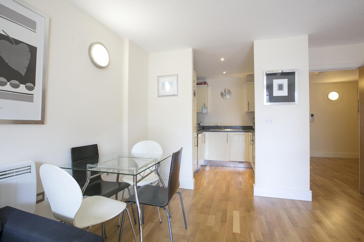 Flat - Purpose Built Sold in Peckham Grove, Peckham, SE5 418 view8