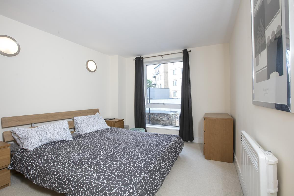 Flat - Purpose Built Sold in Peckham Grove, Peckham, SE5 418 view11
