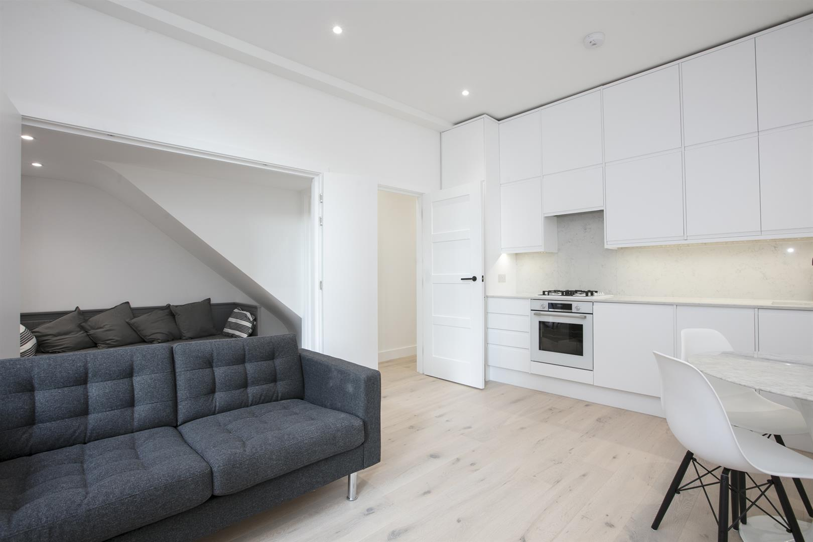 Flat/Apartment Sold in Peckham Road, Camberwell, SE5 529 view4