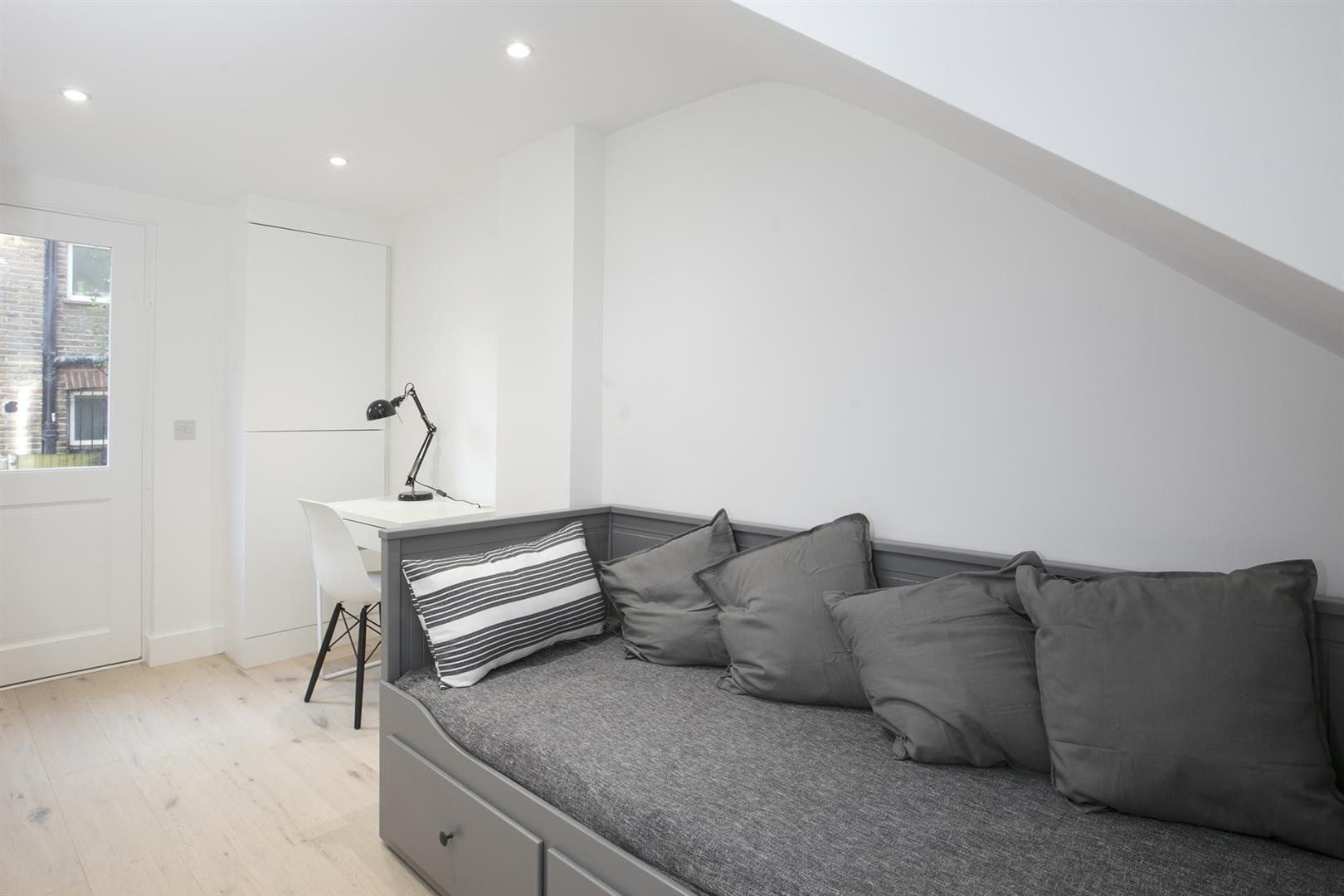 Flat/Apartment Sold in Peckham Road, Camberwell, SE5 529 view14