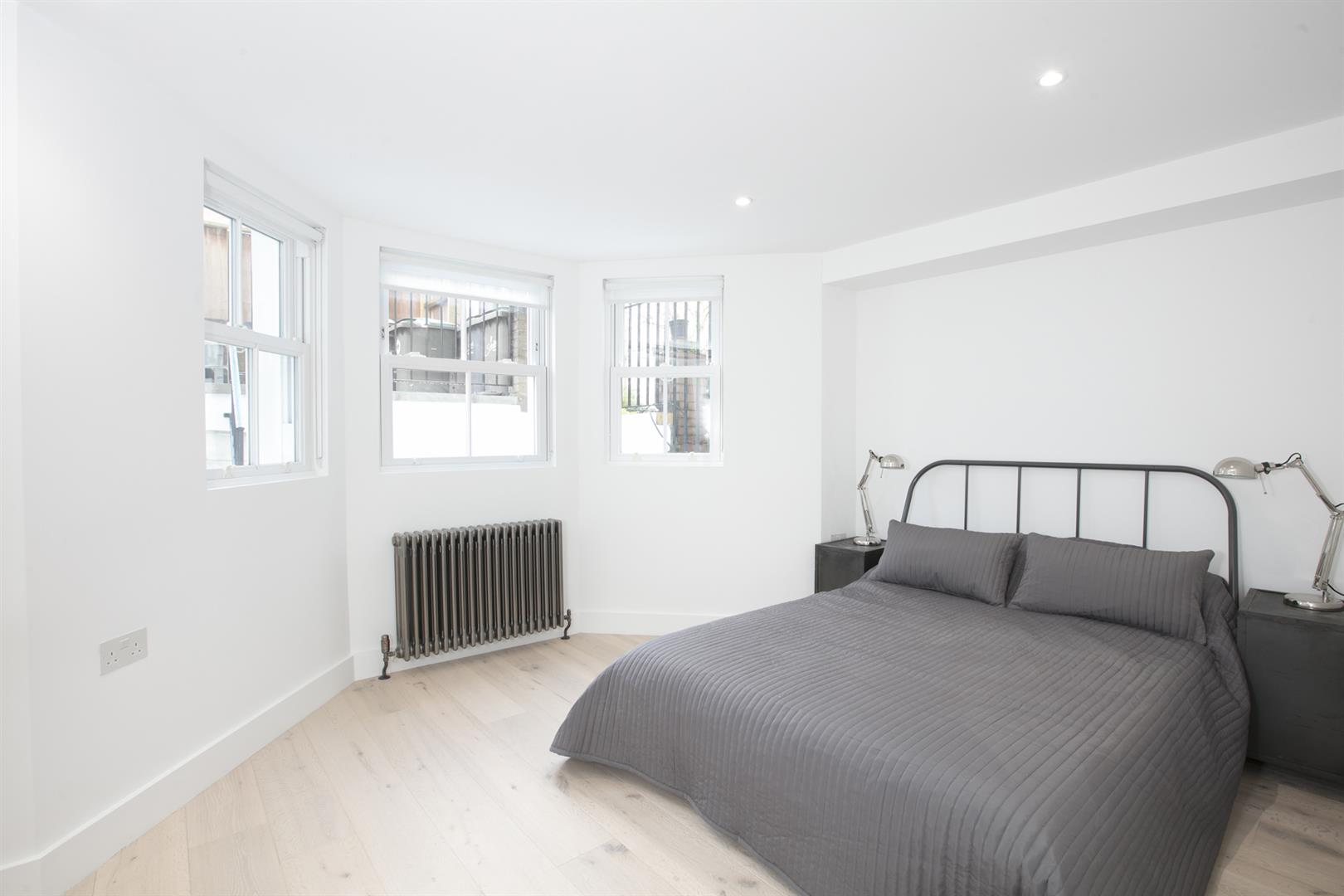 Flat - Conversion Sold in Peckham Road, Camberwell, SE5 539 view5