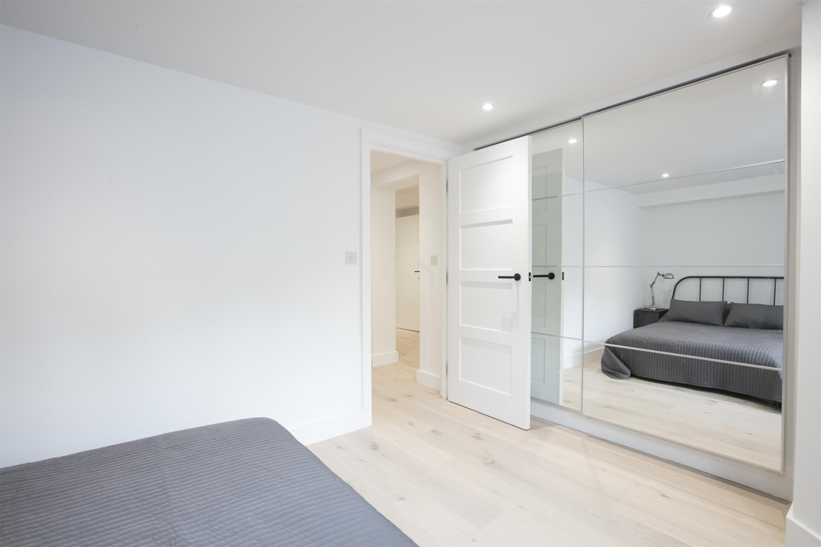 Flat - Conversion Sold in Peckham Road, Camberwell, SE5 539 view9