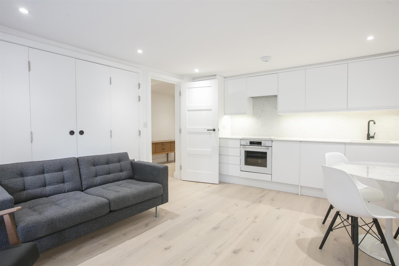 Flat - Conversion Sold in Peckham Road, Camberwell, SE5 539 view14