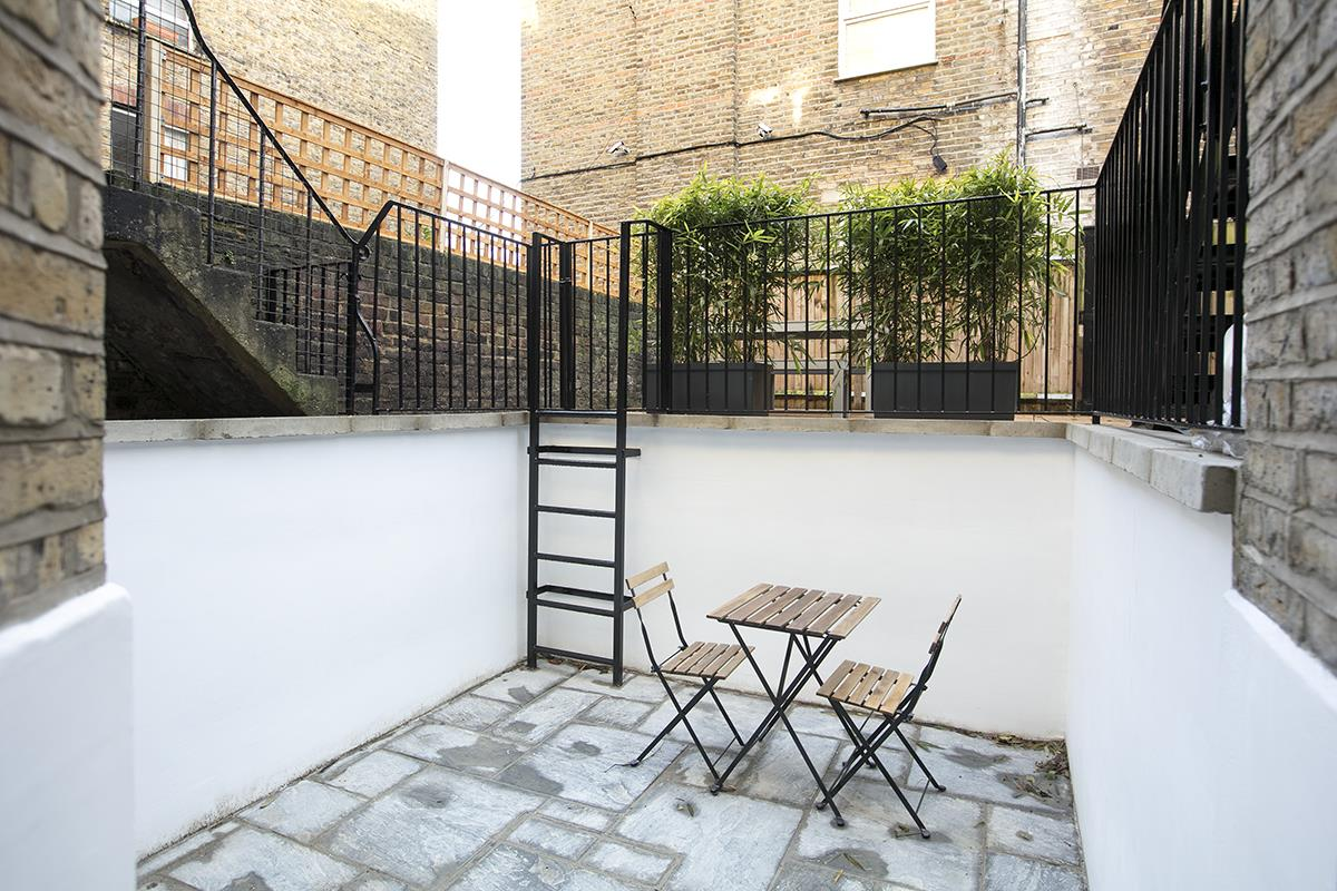 Flat - Conversion Sold in Peckham Road, Camberwell, SE5 539 view4