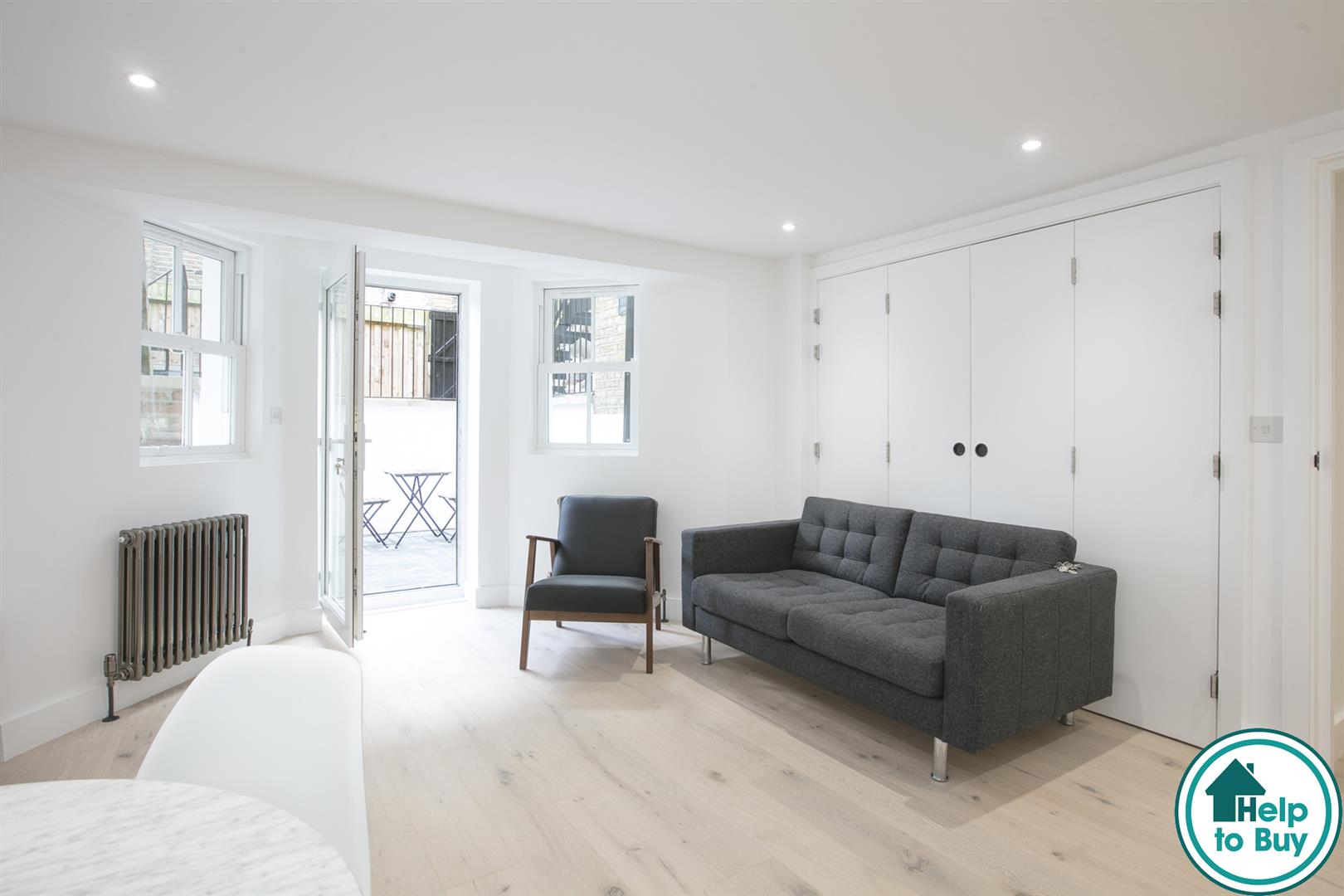 Flat - Conversion Sold in Peckham Road, Camberwell, SE5 539 view1