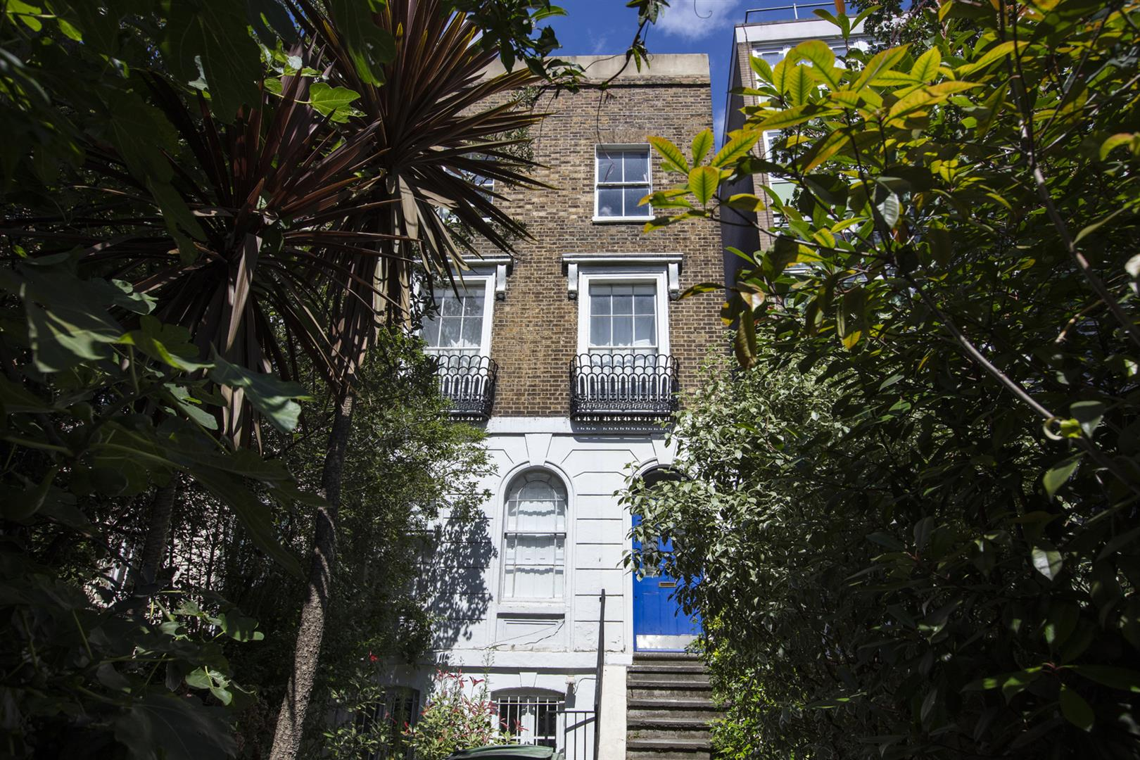 Flat - Conversion For Sale in Peckham Road, Camberwell, SE5 717 view1