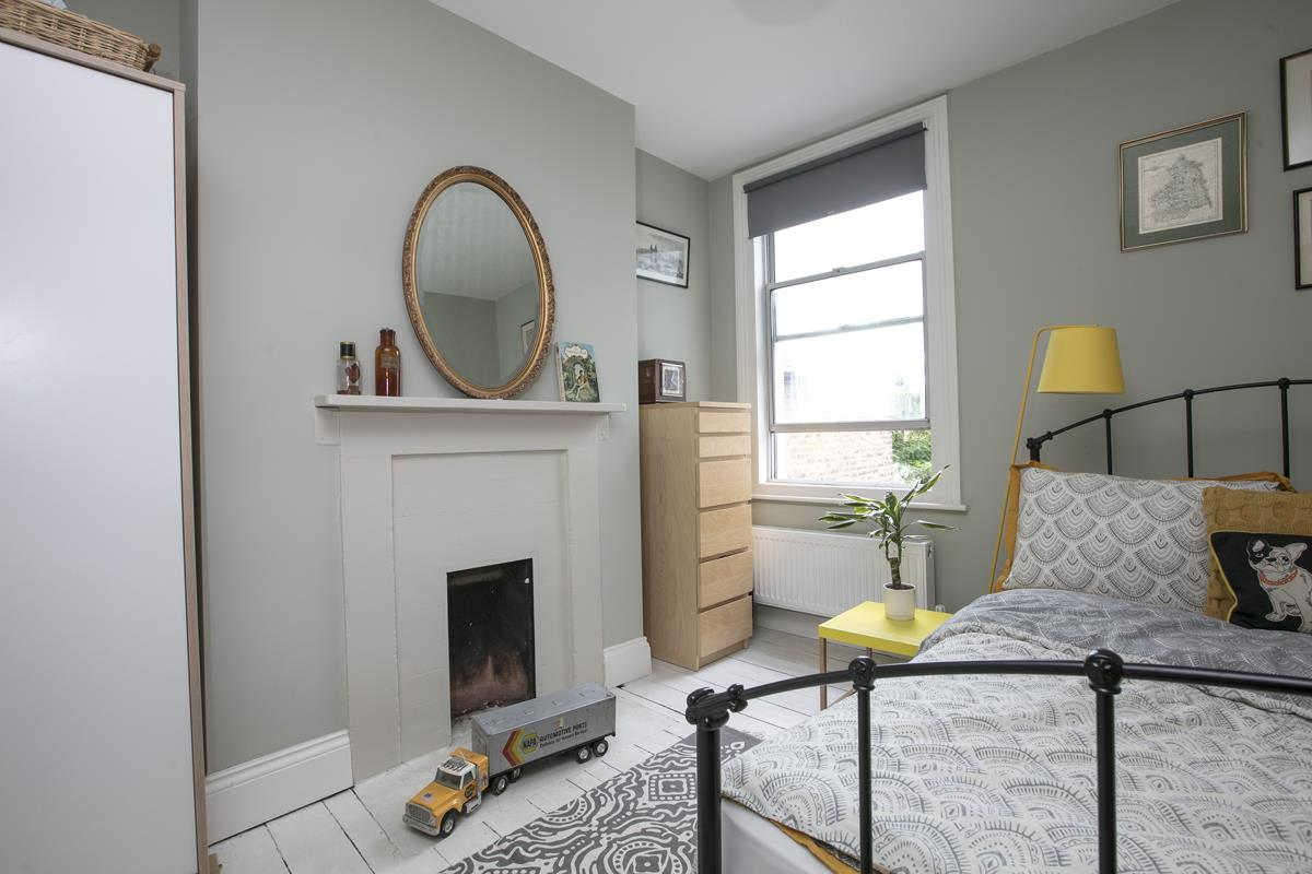 House - Terraced For Sale in Rainbow Street, Camberwell, SE5 359 view15