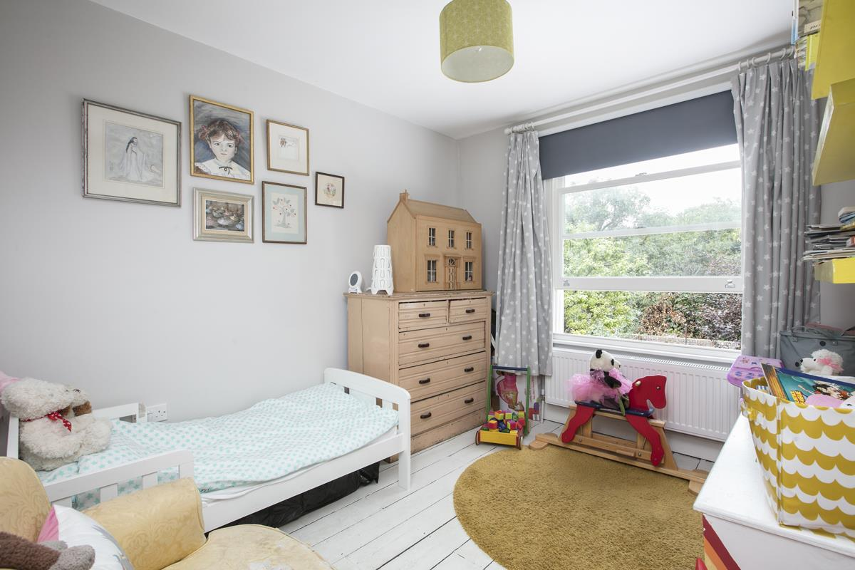 House - Terraced For Sale in Rainbow Street, Camberwell, SE5 359 view16