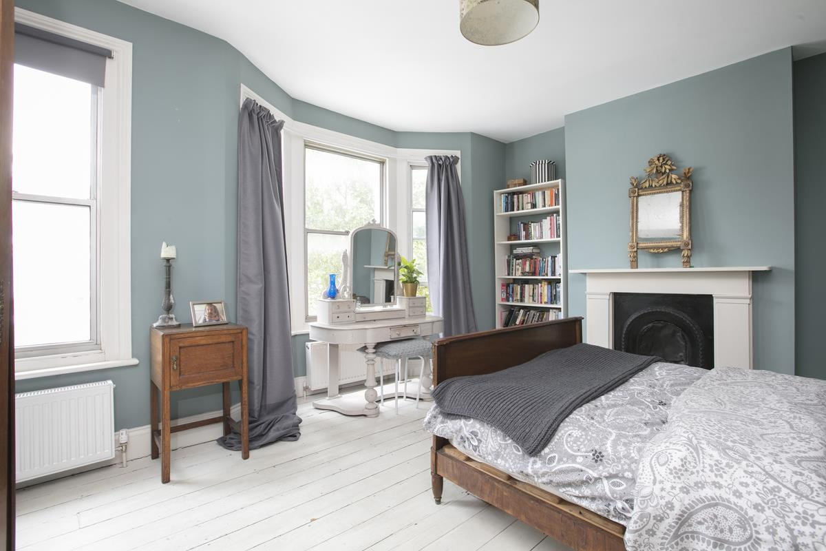 House - Terraced For Sale in Rainbow Street, Camberwell, SE5 359 view14