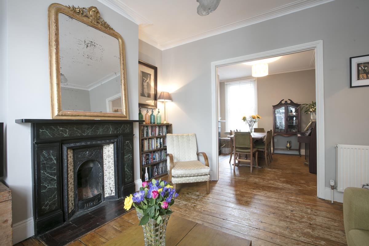 House - Terraced For Sale in Rainbow Street, Camberwell, SE5 359 view1