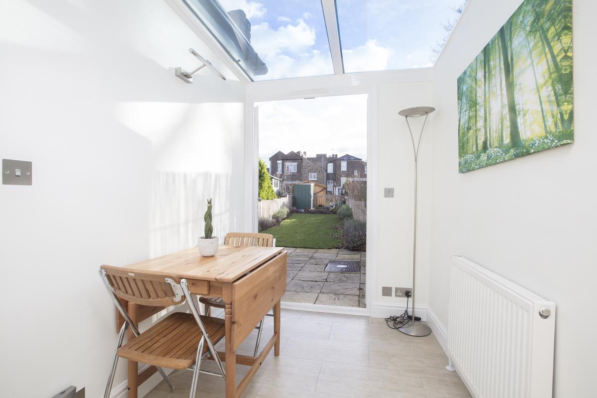 House - Terraced Sold in Scylla Road, Nunhead, SE15 249 view4
