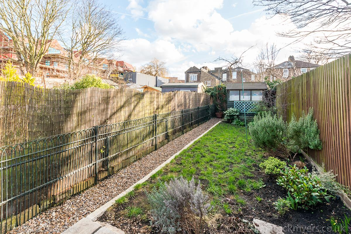 Flat/Apartment Sold in Scylla Road, Nunhead, SE15 420 view21