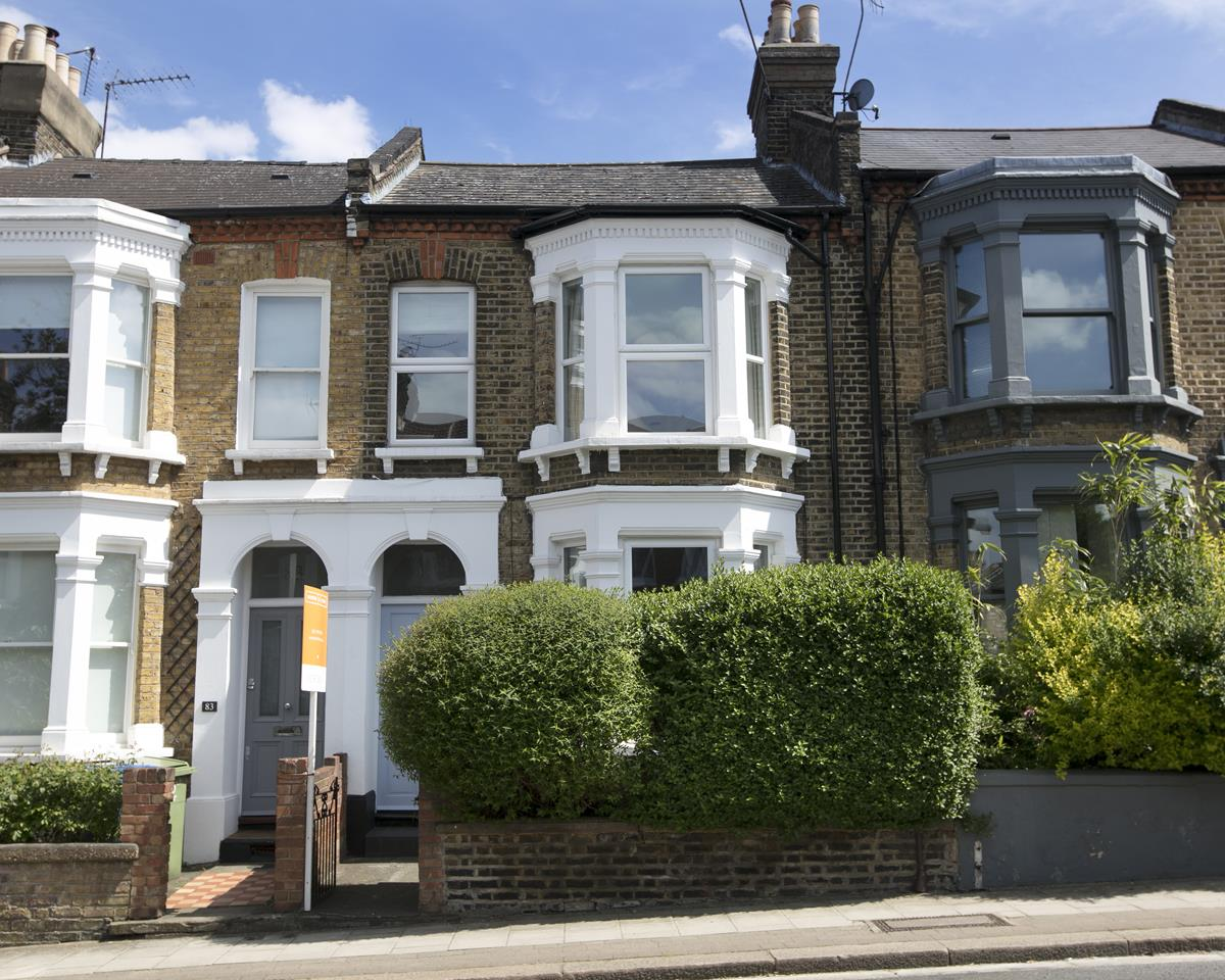 House - Terraced Sale Agreed in Shenley Road, Camberwell SE5 254 view1