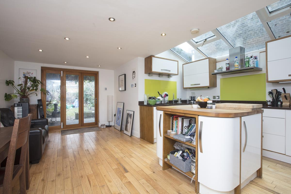 House - Terraced For Sale in Shenley Road, Camberwell, SE5 277 view2