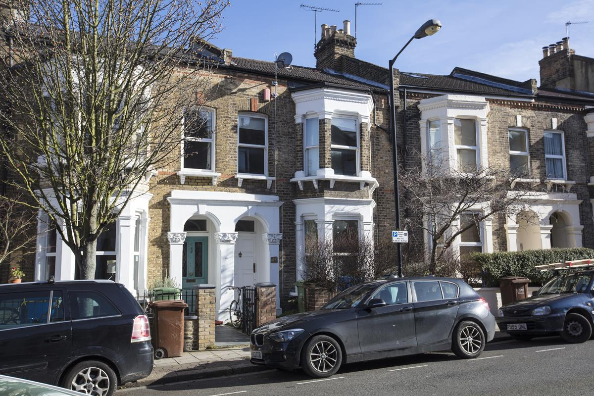 House - Terraced For Sale in Shenley Road, Camberwell, SE5 277 view1