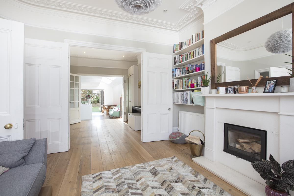 House - End Terrace For Sale in Shenley Road, Camberwell, SE5 451 view2