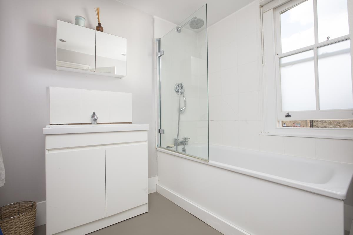 House - End Terrace For Sale in Shenley Road, Camberwell, SE5 451 view24