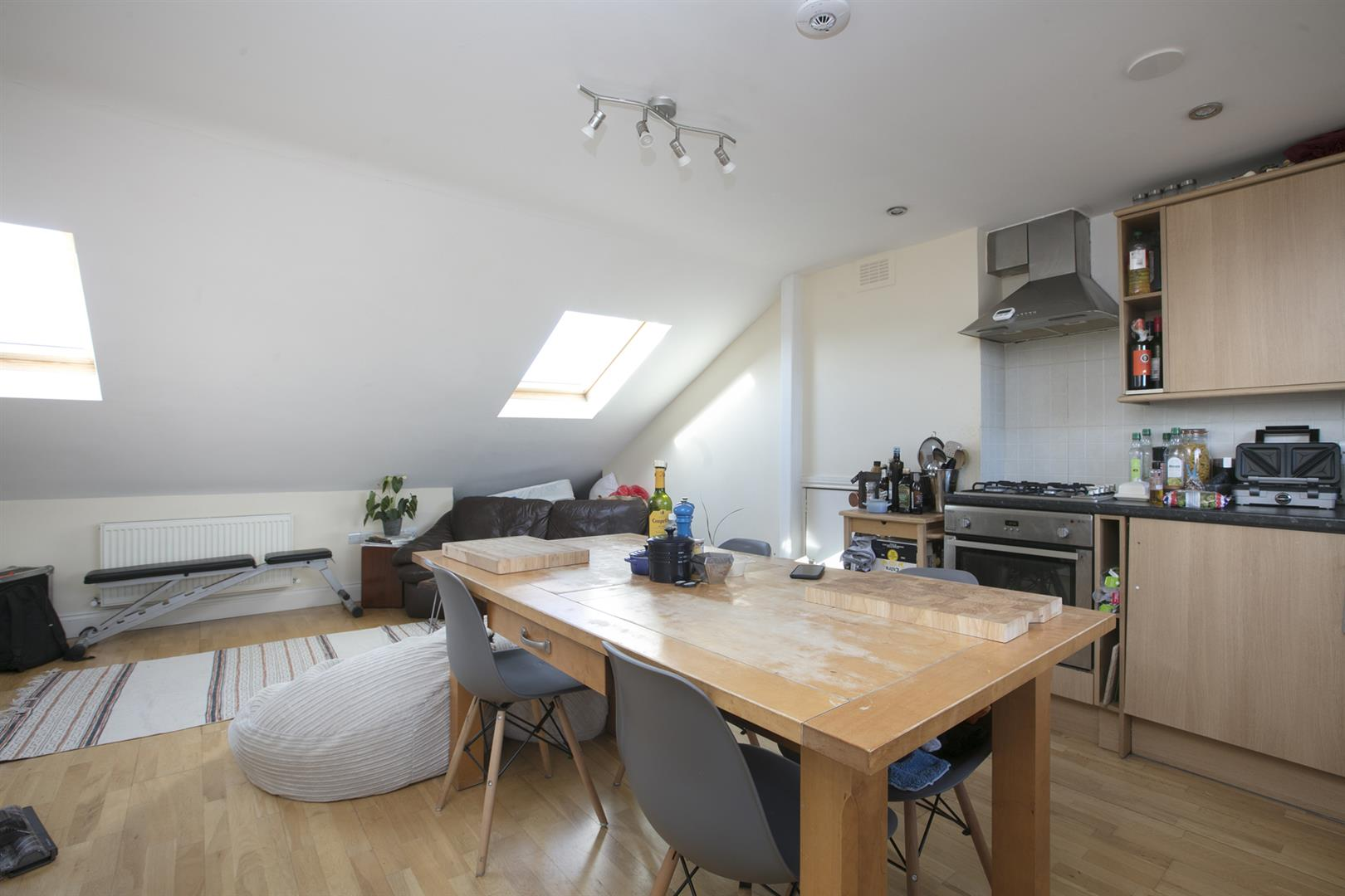 Flat/Apartment For Sale in Shenley Road, Camberwell, SE5 569 view3