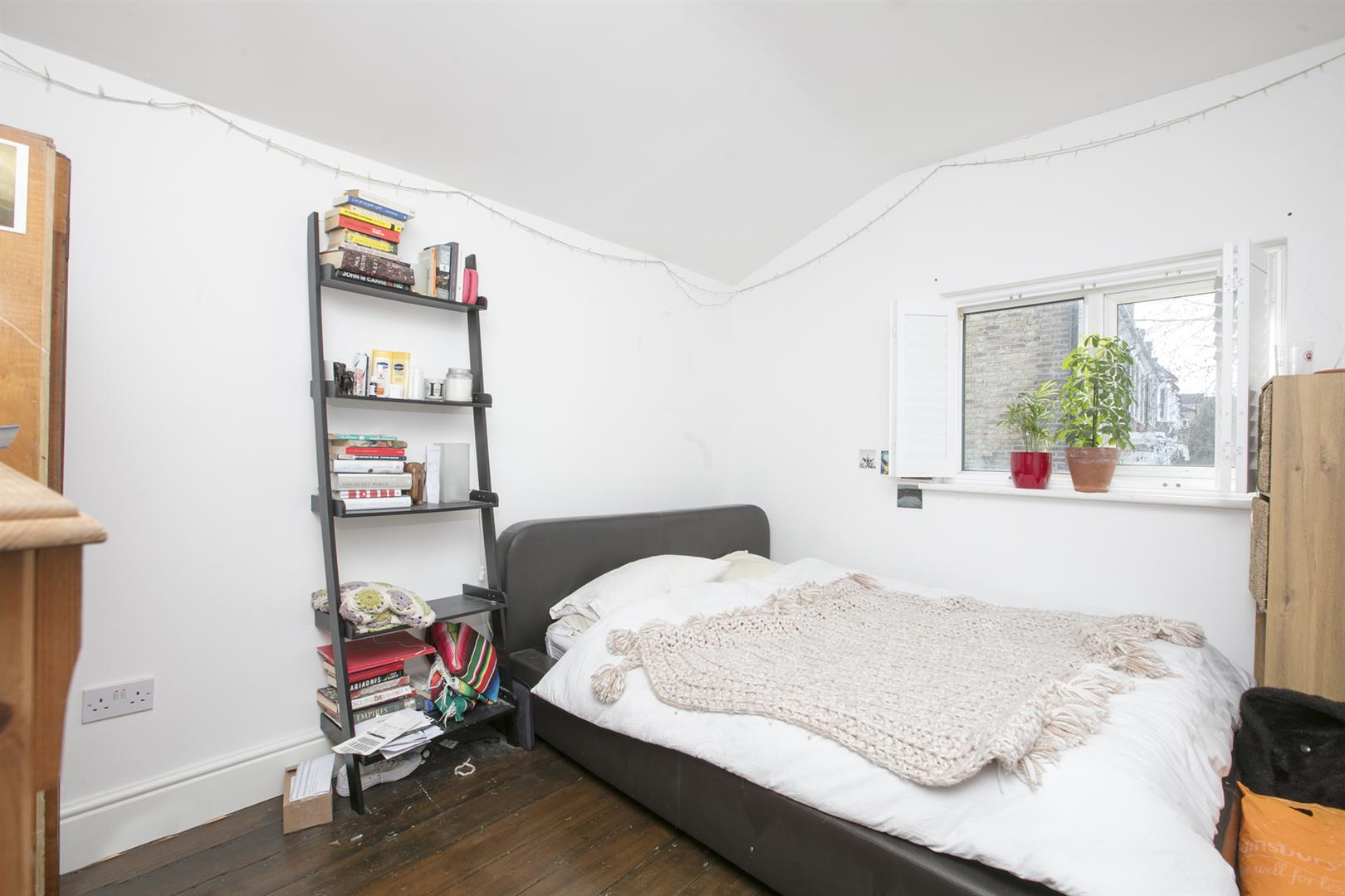 House - Semi-Detached For Sale in Shenley Road, Camberwell, SE5 572 view6