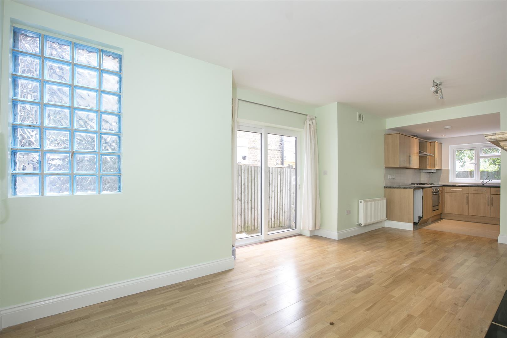 Flat - Conversion For Sale in Shenley Road, Camberwell, SE5 635 view5