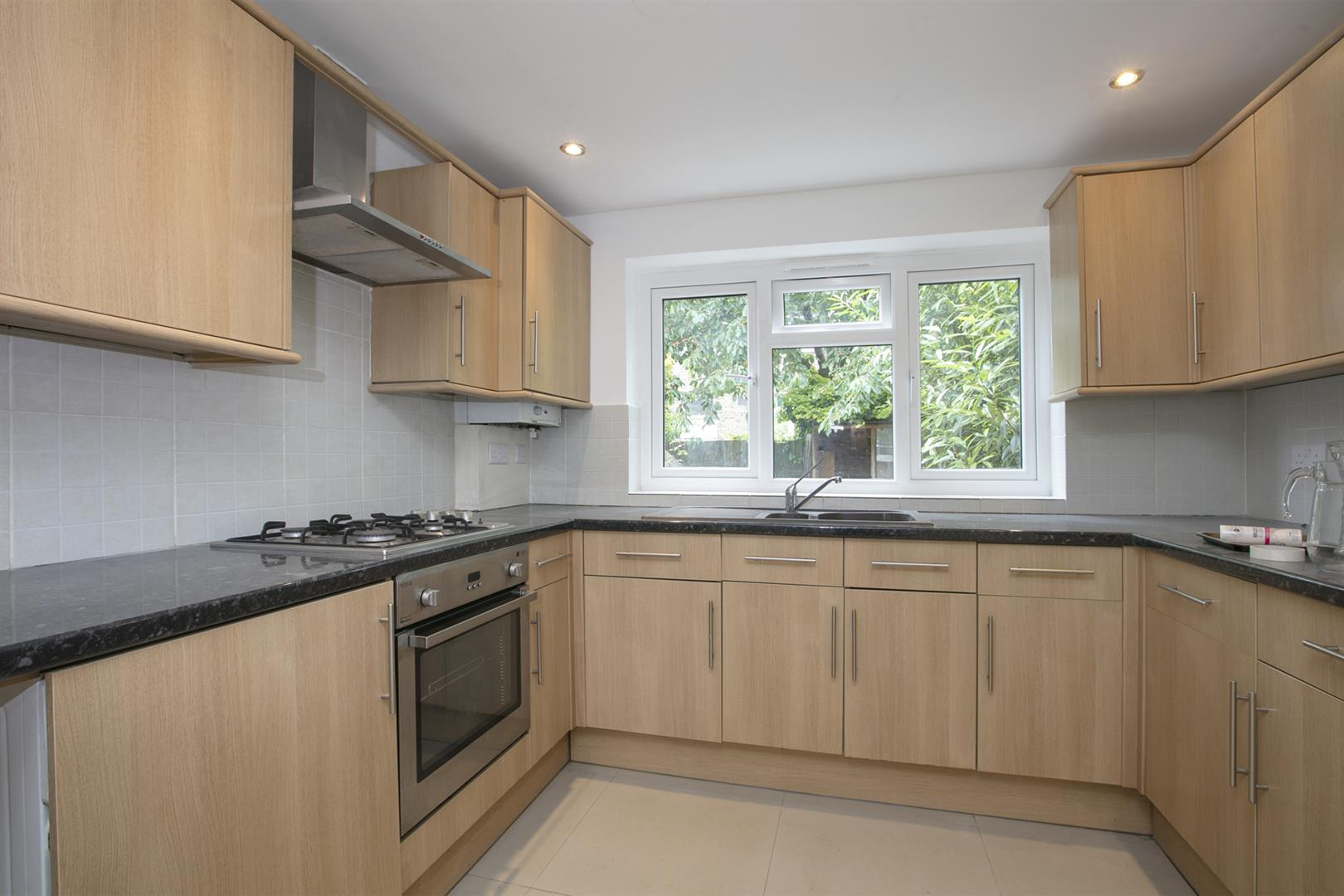 Flat - Conversion For Sale in Shenley Road, Camberwell, SE5 635 view4