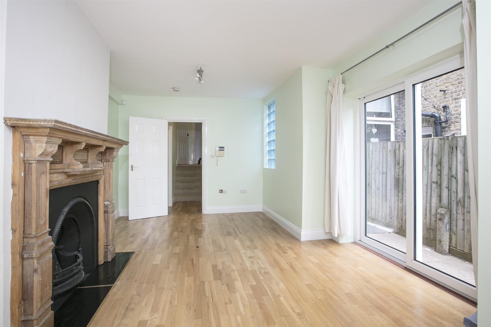 Flat - Conversion For Sale in Shenley Road, Camberwell, SE5 635 view6
