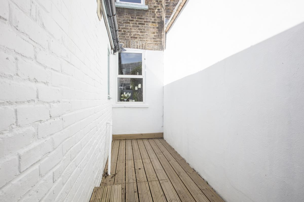 House - Terraced Sale Agreed in Southampton Way, Camberwell, SE5 447 view17