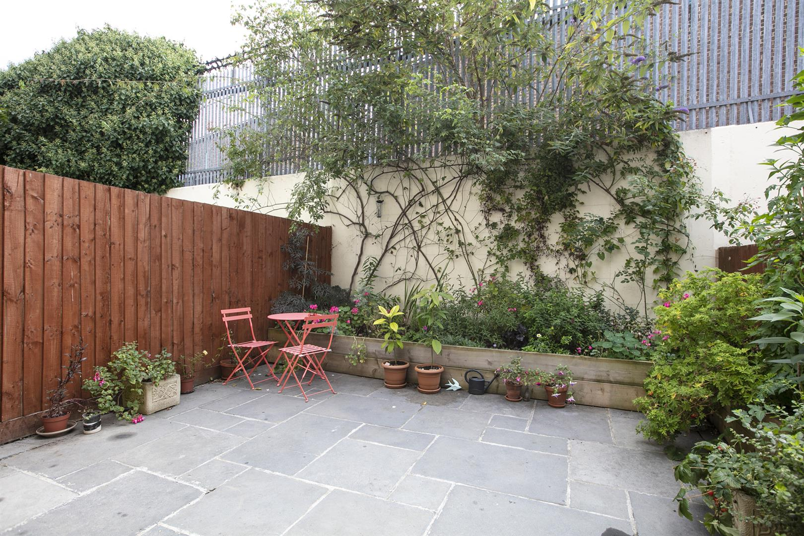 Flat/Apartment Sale Agreed in Southwell Road, Camberwell, SE5 696 view4