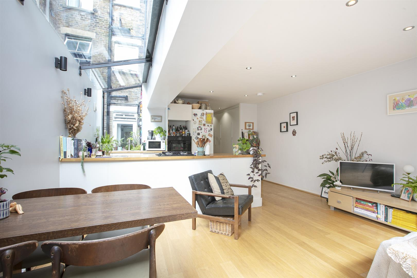 Flat/Apartment Sale Agreed in Southwell Road, Camberwell, SE5 696 view2