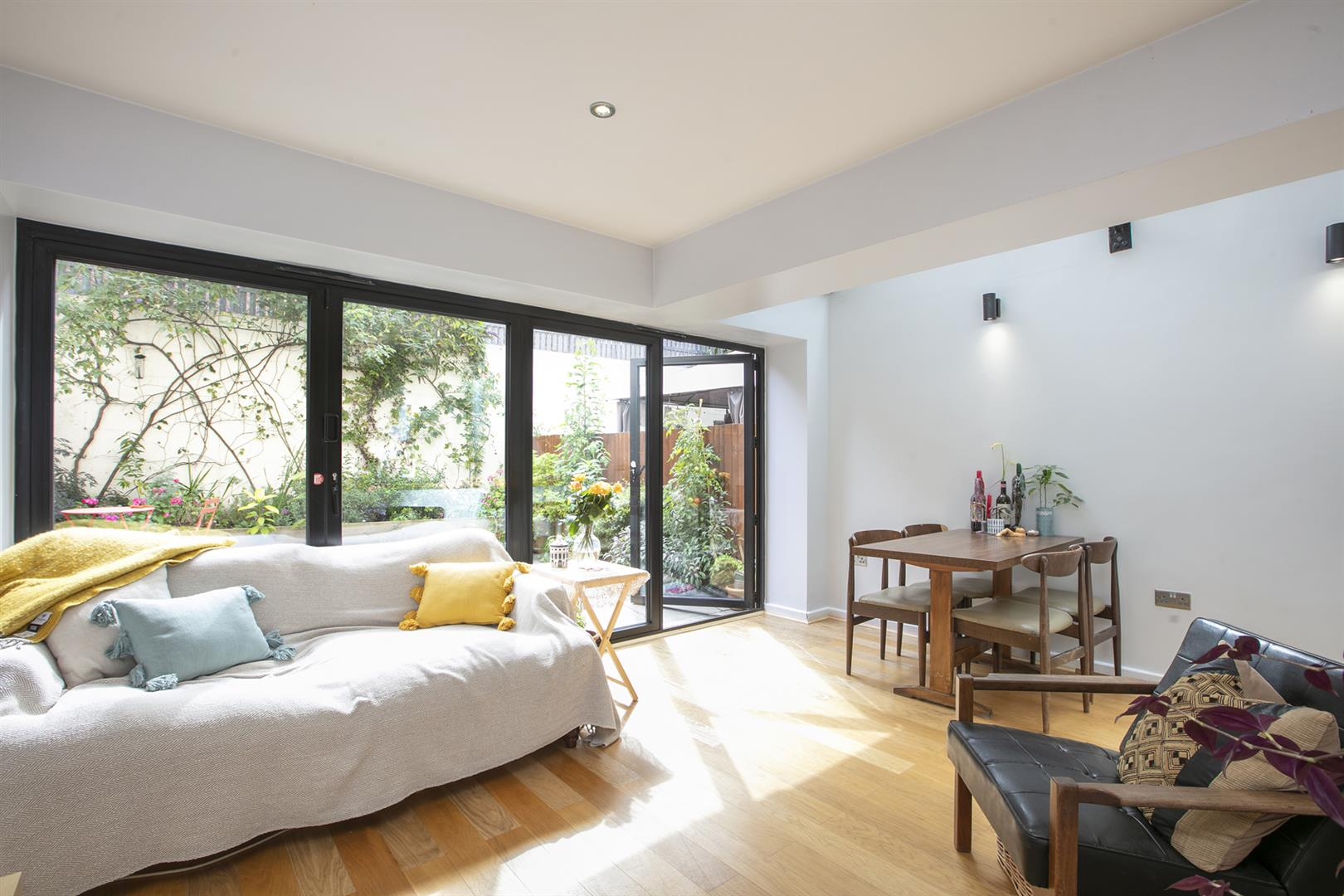 Flat/Apartment Sale Agreed in Southwell Road, Camberwell, SE5 696 view5