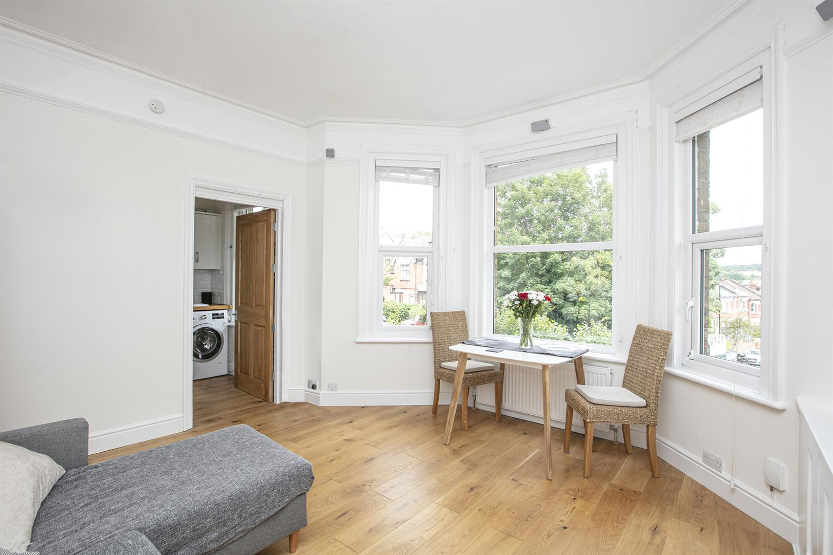 Flat - Conversion Sale Agreed in St. Augustines Avenue, South Croydon, CR2 654 view5