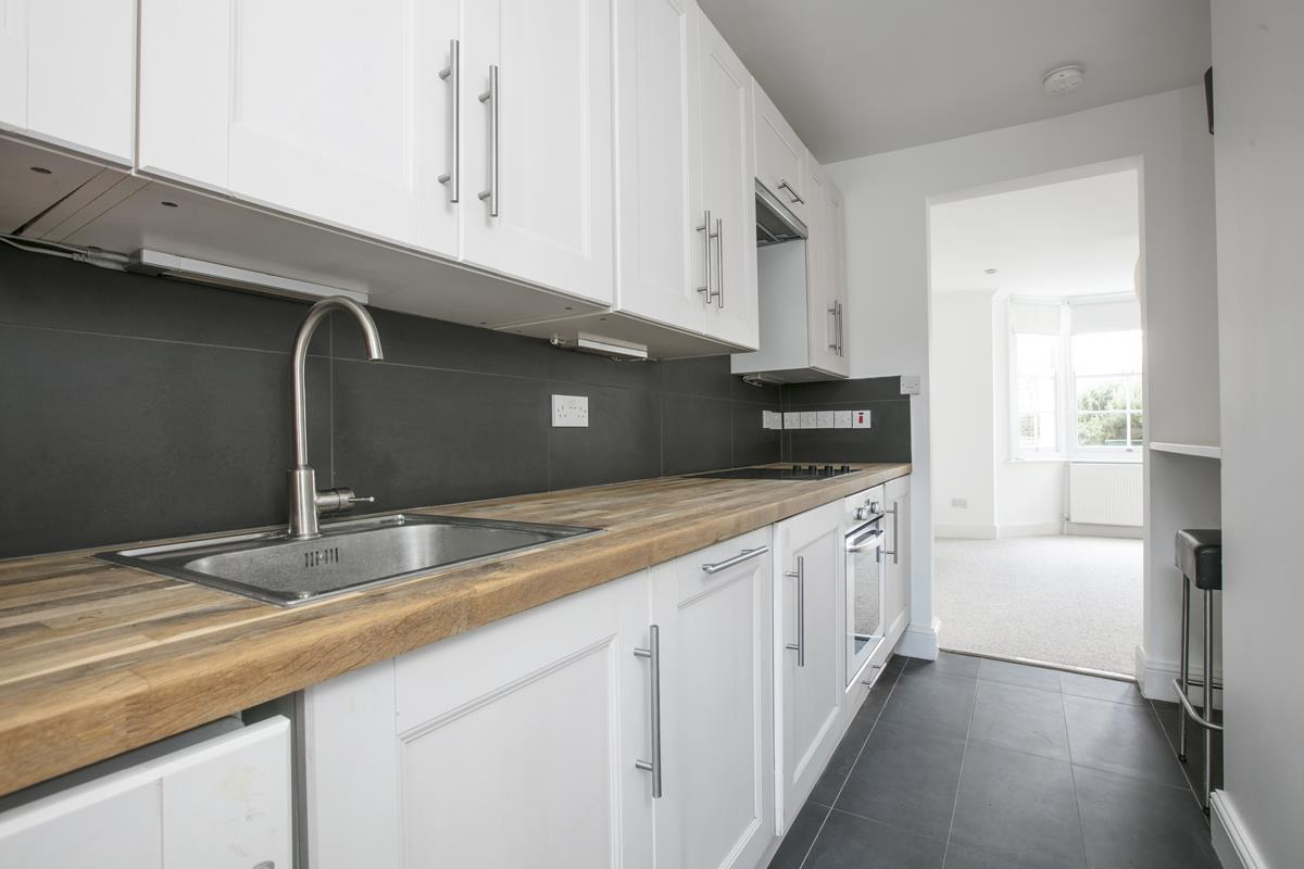 Flat/Apartment Sale Agreed in St. Giles Road, Camberwell SE5 227 view4