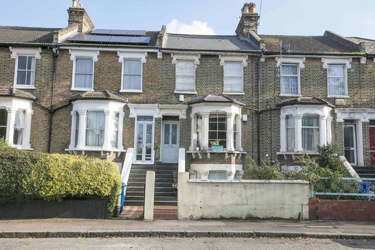 Flat/Apartment Sale Agreed in St. Giles Road, Camberwell SE5 227 view3
