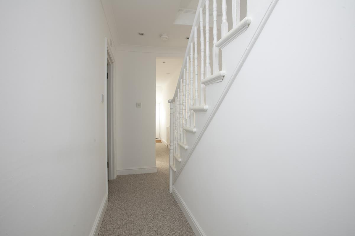 Flat/Apartment Sale Agreed in St. Giles Road, Camberwell SE5 227 view6