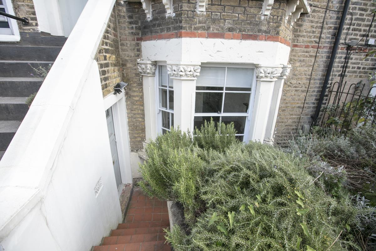 Flat/Apartment Sale Agreed in St. Giles Road, Camberwell SE5 227 view5