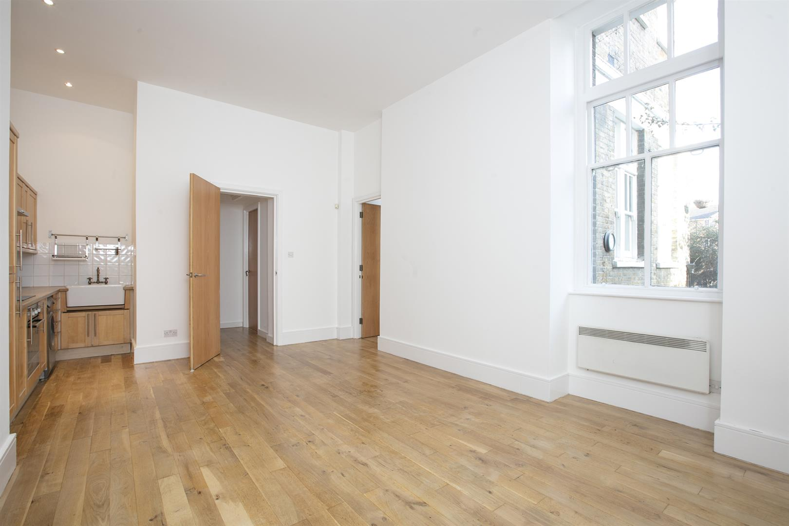 Flat - Conversion Sale Agreed in St. Giles Road, Camberwell, SE5 470 view2