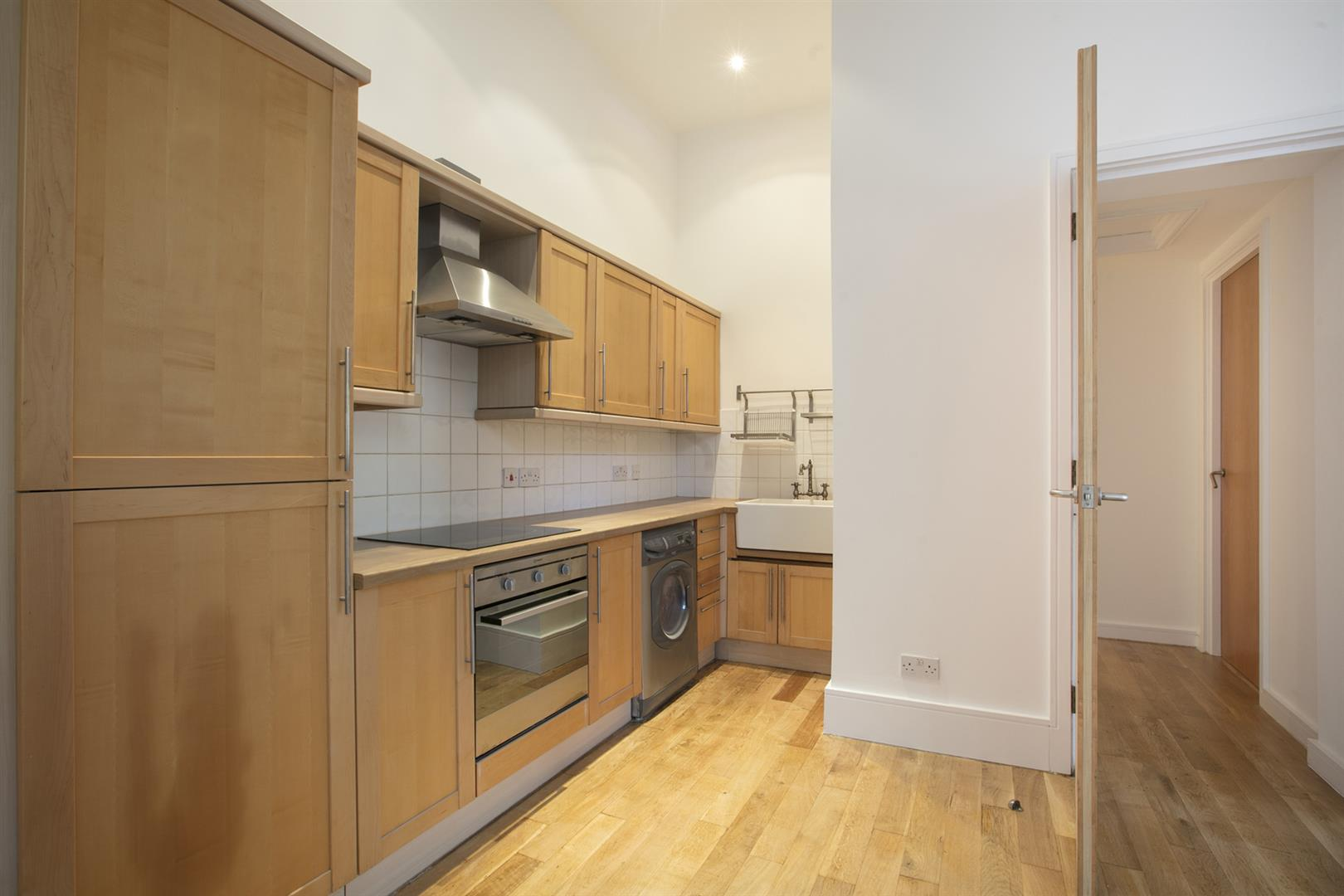 Flat - Conversion Sale Agreed in St. Giles Road, Camberwell, SE5 470 view3