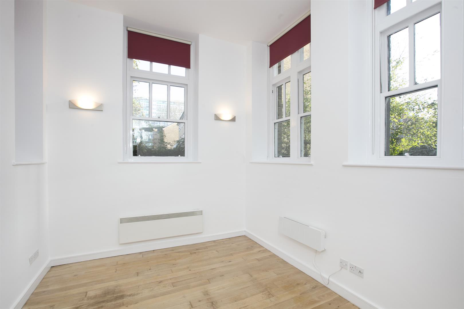 Flat - Conversion Sale Agreed in St. Giles Road, Camberwell, SE5 470 view6