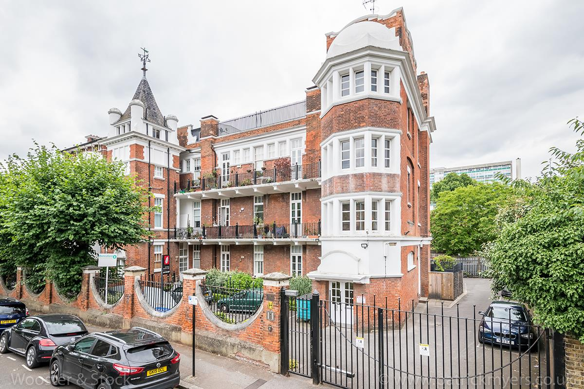 Flat - Conversion Sale Agreed in St. Giles Road, Camberwell, SE5 470 view1