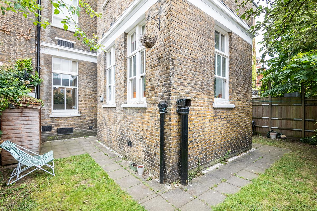 Flat - Conversion Sale Agreed in St. Giles Road, Camberwell, SE5 470 view4