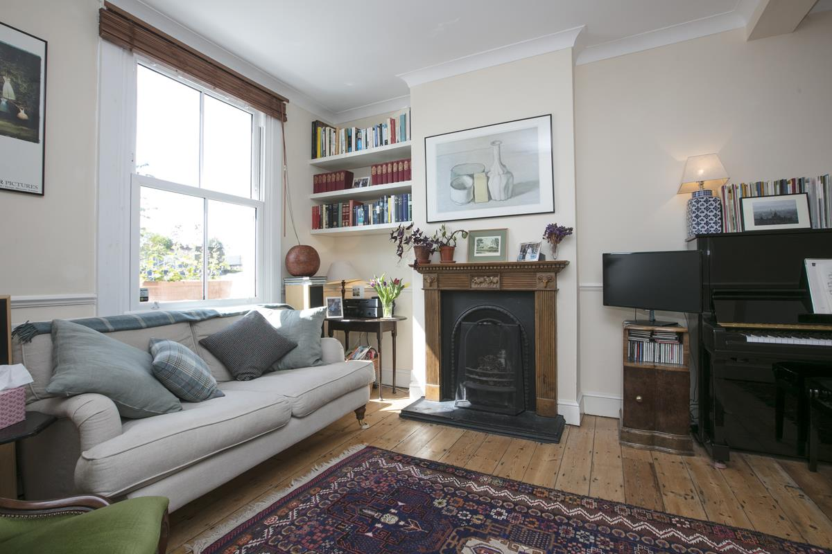 House - Terraced Sold in Sturdy Road, Nunhead, SE15 324 view3