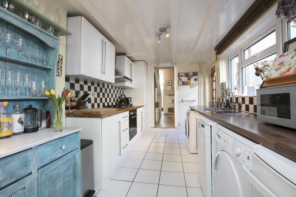 House - Terraced Sold in Sturdy Road, Nunhead, SE15 324 view5
