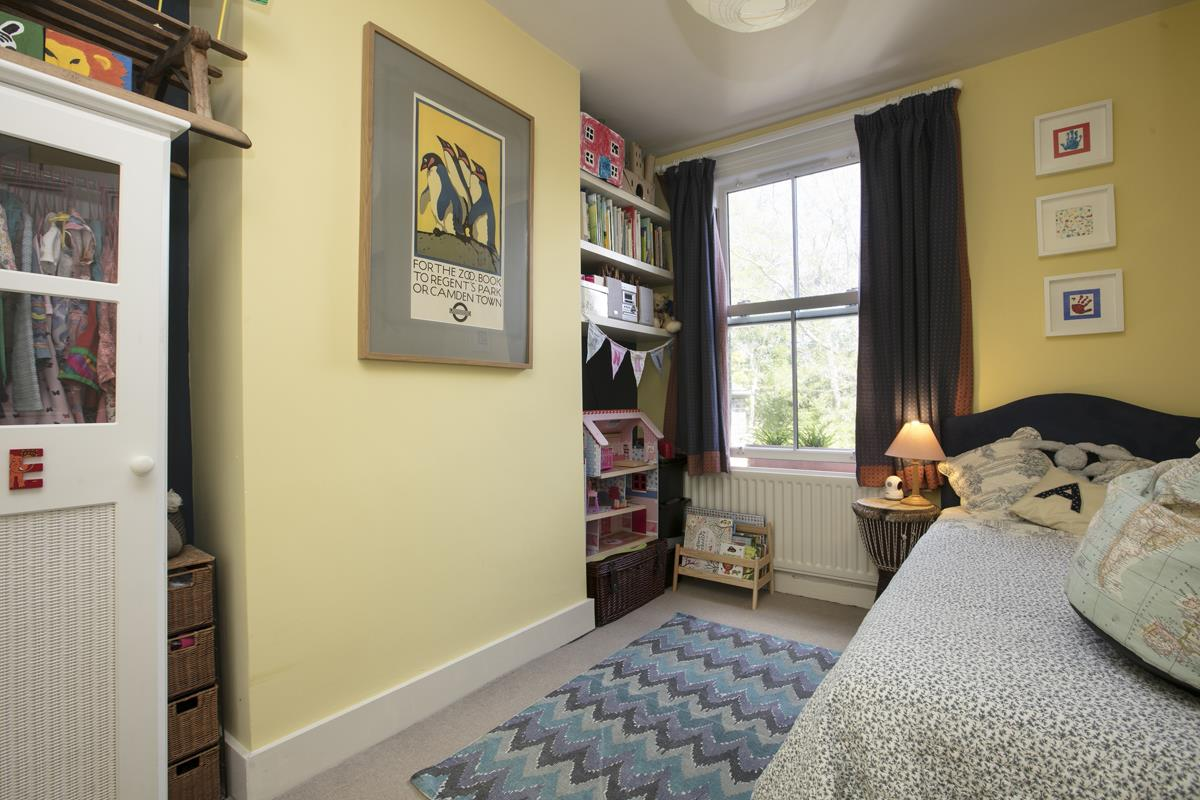 House - Terraced Sold in Sturdy Road, Nunhead, SE15 324 view13