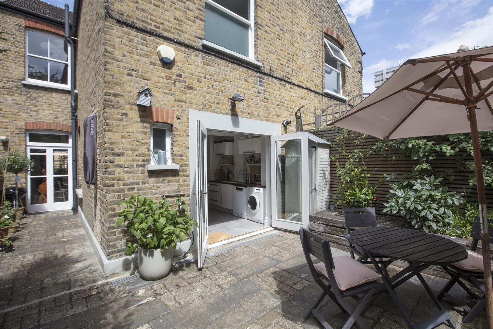 House - Terraced Sale Agreed in Talfourd Place, Peckham, SE15 638 view5