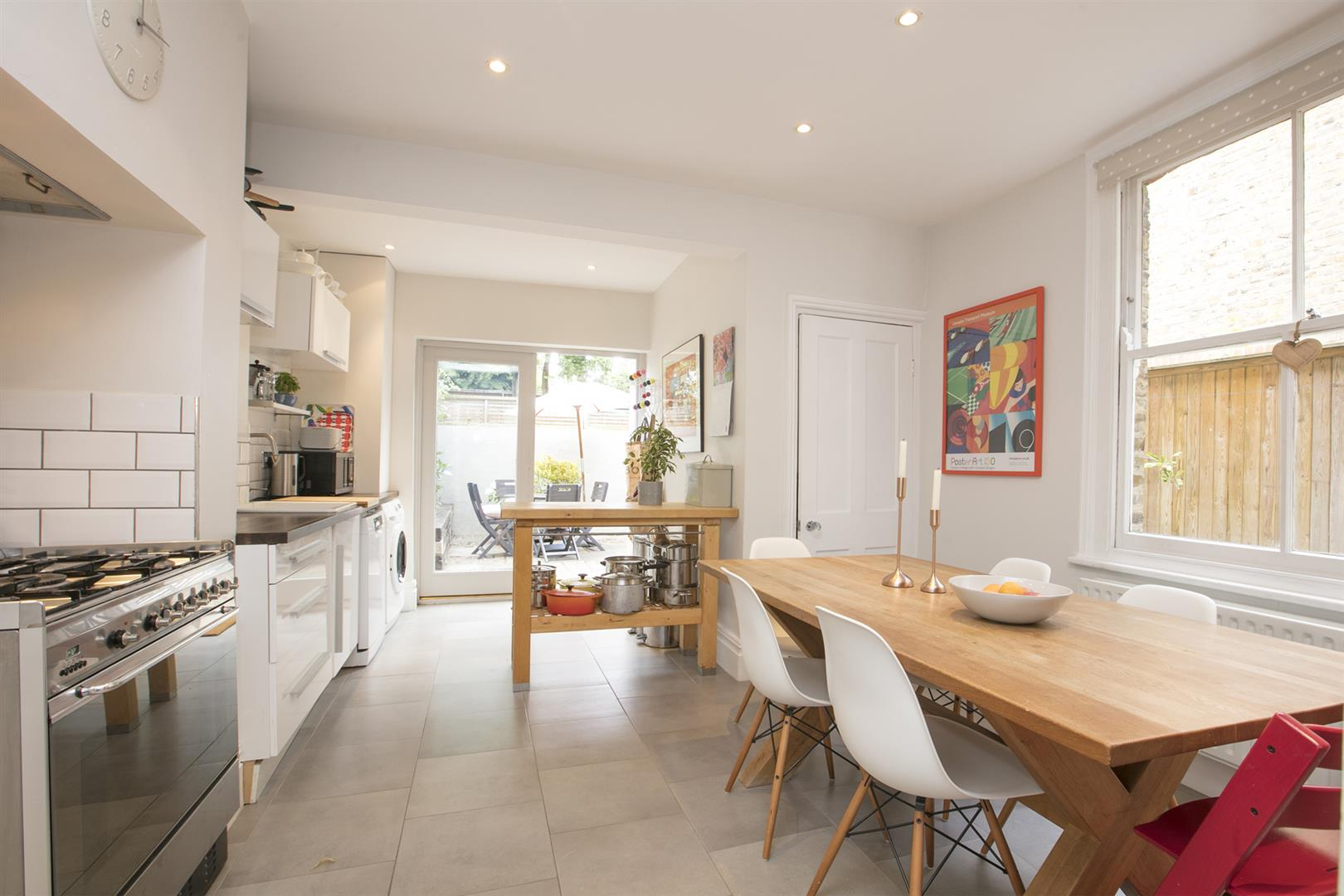 House - Terraced Sale Agreed in Talfourd Place, Peckham, SE15 638 view15
