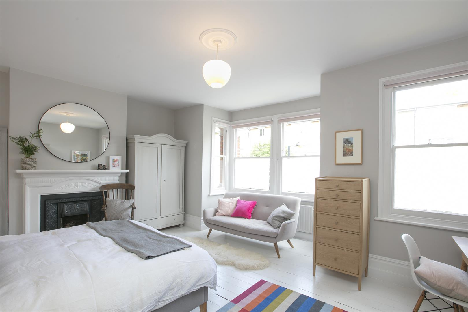 House - Terraced Sale Agreed in Talfourd Place, Peckham, SE15 638 view21